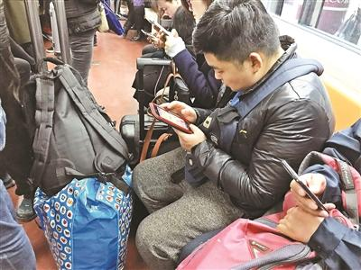 北京地铁半年制止6796起逃票 地铁部门呼吁文明乘车