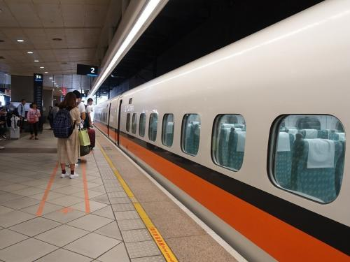 台湾高铁维修工程车故障恐致延误 双线通车恢复