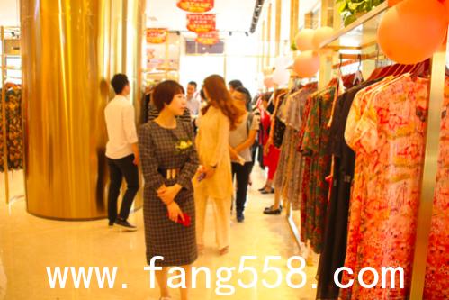 武汉客厅・汉工场盛大开业 5.1期间时尚女装工厂价直销,2折起