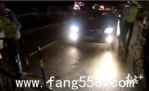 深圳宝安男子开车半路被抓 女朋友也要受罚