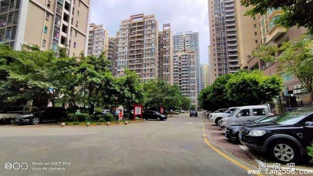 宝安松岗地铁口《永辉花园》16栋大型花园统建楼 带停车场和天燃气 平层和复式户型